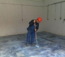 Cementbázisú ipari padló, műgyanta impregnálással